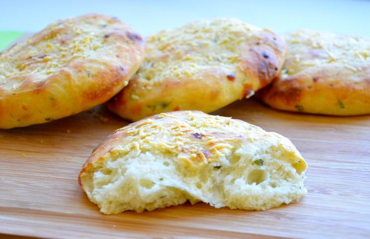 Рецепт Лепешки с зеленью и пармезаном