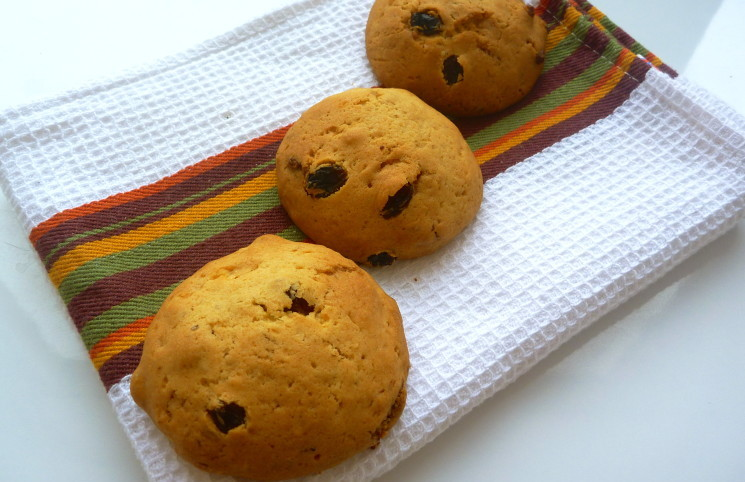 Рецепт Печенье орехово-изюмо-шоколадное