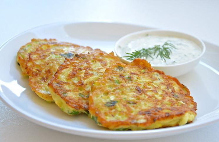 Рецепт Оладьи из кабачков с зеленью