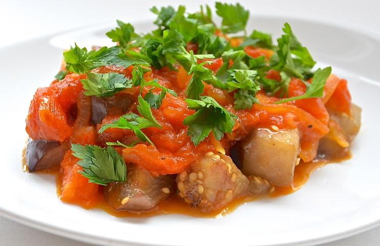 Рецепт Баклажаны под томатным соусом