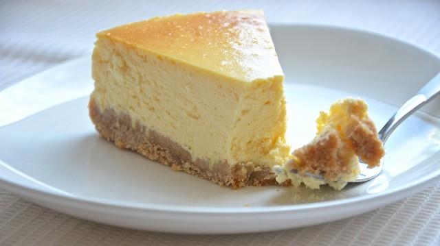 Кремовый двухъярусный торт фото 9